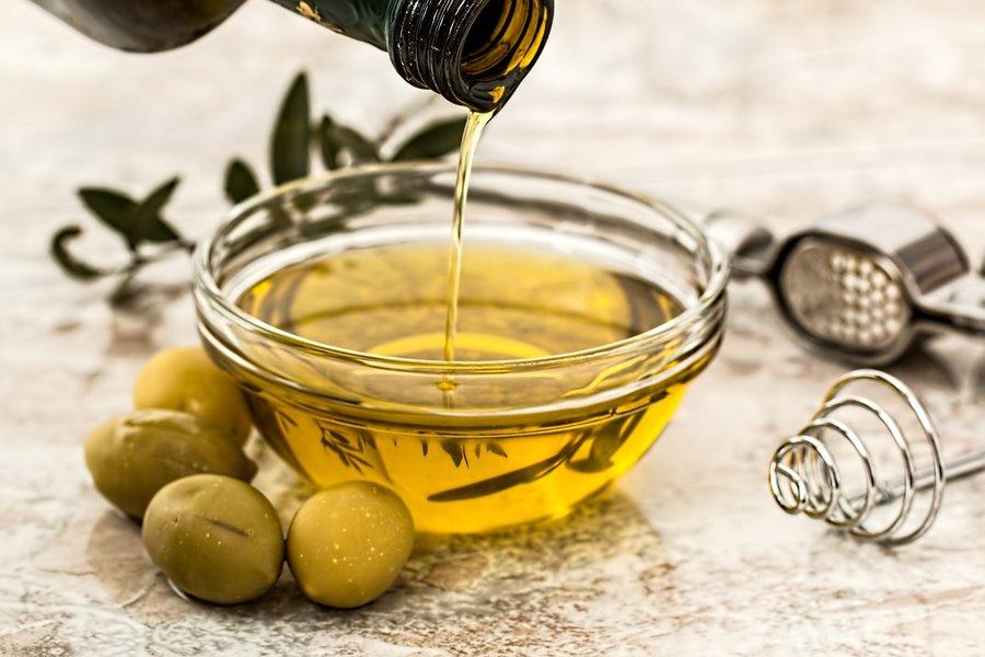 Olivový olej na rast mihalníc - GigaLash.sk